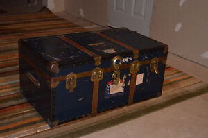 Antique Travel Trunk for Sale Cambridge Kitchener Area image 1