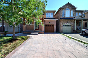 Beautififul House for Sale in Heart of Brampton