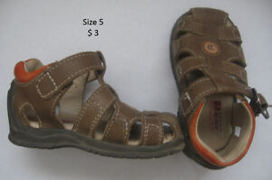 Boy's toddler shoes size 5 to 8