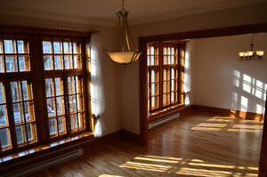 Beautiful FULLY RENOVATED 7 1/2 in lower westmount (A/C+PARKING)