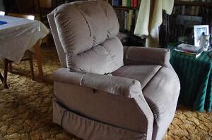 Lift Chair: Medi-chair Recliner