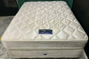 Excellent SleepMaker double-sided Pillow top queen mattress with base