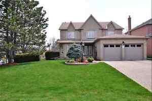 Home for sale  in Aurora - $979,900  (416) 315-7653