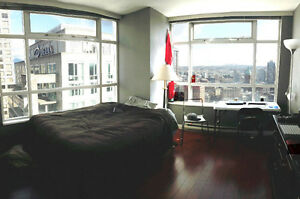 Furnished private room in Downtown with a great view