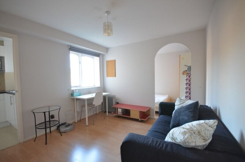 Great Access Canary Wharf-Studio Apartment-3 mins DLR-Separate Kitchen-Bedroom Space-Ava 19th June