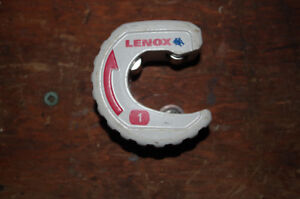 Pipe cutter for copper and plastic