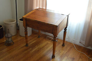 Beautiful Antique Solid Oak Library Table