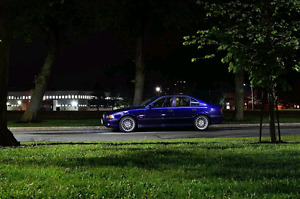 1998 BMW 540i RARE 6 SPEED MANUAL. MONTREAL BLUE.