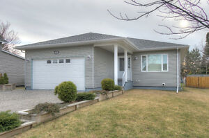 Beautiful Newly Built Home in Espanola!!