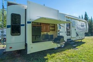 2012 Avalanche 345TG by Keystone   your winter home