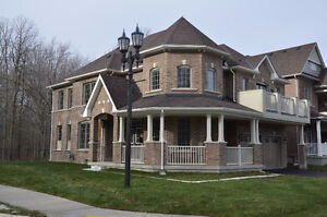 DETACHED 4 BEDROOM HOME IN NIAGARA FALLS FOR LEASE!!!