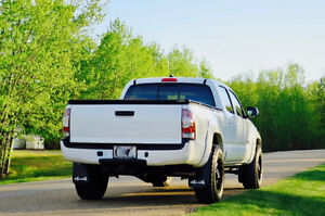 2014 Toyota Tacoma TRD Low Kms + extended warranty