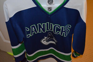 XXS Jersey Canucks NHL Kitchener / Waterloo Kitchener Area image 1