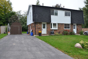Incl. Attractive home, Private back yard, Parking+. Collingwood.