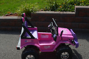 Battery Powered Girls' Pink Riding Jeep Peterborough Peterborough Area image 2