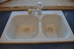 White Double Bowl Kitchen Sink with Grohe Faucet