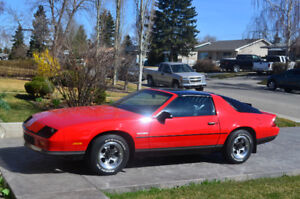 1986 RS camaro***lady owned/driven x 2 ***