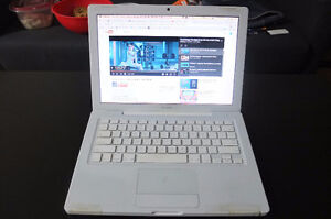 Macbook 13'' with accessories