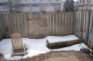 3 bed house on Limberlost avail Dec 1st London Ontario image 9