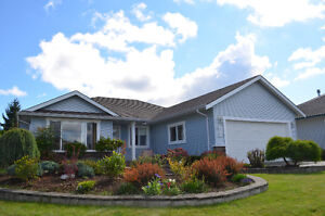 Open Concept Rancher on Quiet cul-de-sac in East Courtenay
