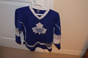 Maple Leaf Jersery l/xl label