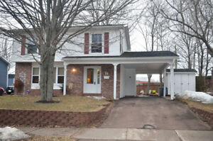 OPEN HOUSE 2-4pm. Sunday April 22nd PRIVACY & Sun-all-day