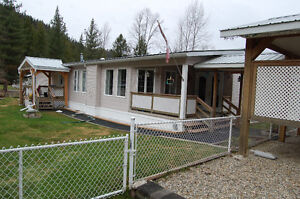 Beautiful Mobile Home For Sale - Sicamous