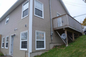 BRIGHT OPEN CONCEPT UNIT AVAILABLE IMMEDIATELY PORT WILLIAMS