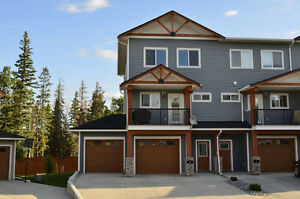 Executive Condo in Hinton, AB