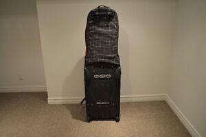 Ogio Golf travel bag only used 1 time West Island Greater Montréal image 2