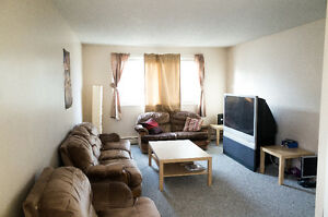 WHYTE AVE SUMMER SUBLET (REDUCED)