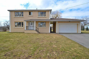 A Fantastic Combination Of Size &Location!Solid Residence 1 Acre