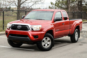 2014 Toyota Tacoma SR5 ONE Owner!!