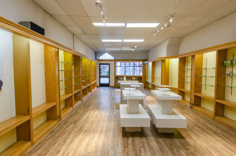 Retail and office space on tecumseh rd in walkerville houses for