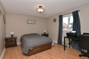 Student rental 5min walk from Georgian college female only