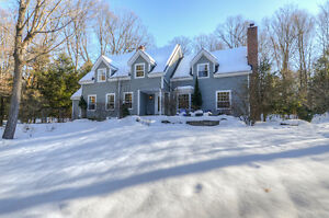 4+2 Bedroom Stylish Home On 1.66 Private Acres, Stouffville