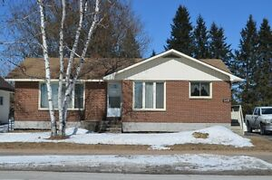 HOUSE FOR SALE - AFFORDABLE FAMILY LIVING IN TROUT CREEK