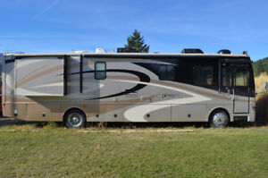 Fleetwood Discovery A class RV
