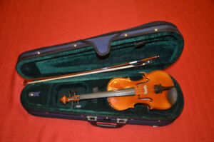 Brand New 1/8 Size Violin With Bow/Case