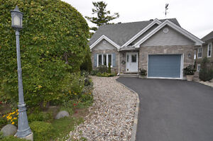 Perfect bungalow next to Gatineau Park and Plateau Shopping
