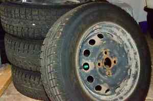 Pneus d'hiver sur rims / winter tires on rims