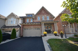 ****Detached House***83 Waterville Way