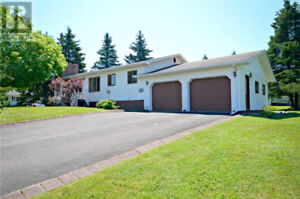 Large Bungalow in Dieppe