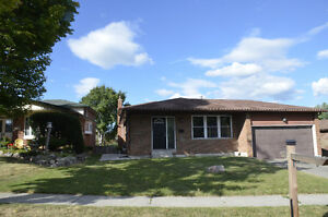 Newmarket,Young&Davis Newly Renovated 3 Bedroom Upper Level