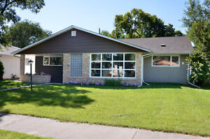 MID-CENTURY RIVER HEIGHTS BUNGALOW — OPEN HOUSE - Oct.2, 1-3pm