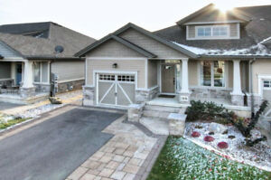 SMITHVILLE - BEAUTIFUL TWO BEDROOM END UNIT FREEHOLD