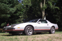 Firebird 1986 coupé 2 portes