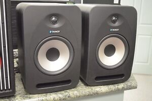 Tannoy Reveal 802 Monitors