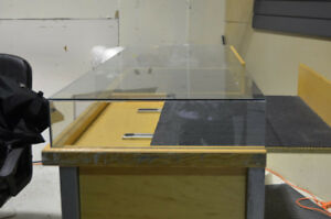STORE DISPLAY CABINETS AND SLATWALLS