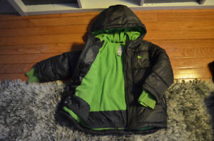 Boys Old Navy winter jacket in size 5T